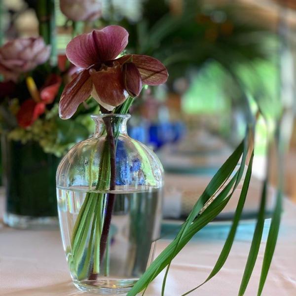 ブライダルフェア レストランウェディングのテーブル装飾。